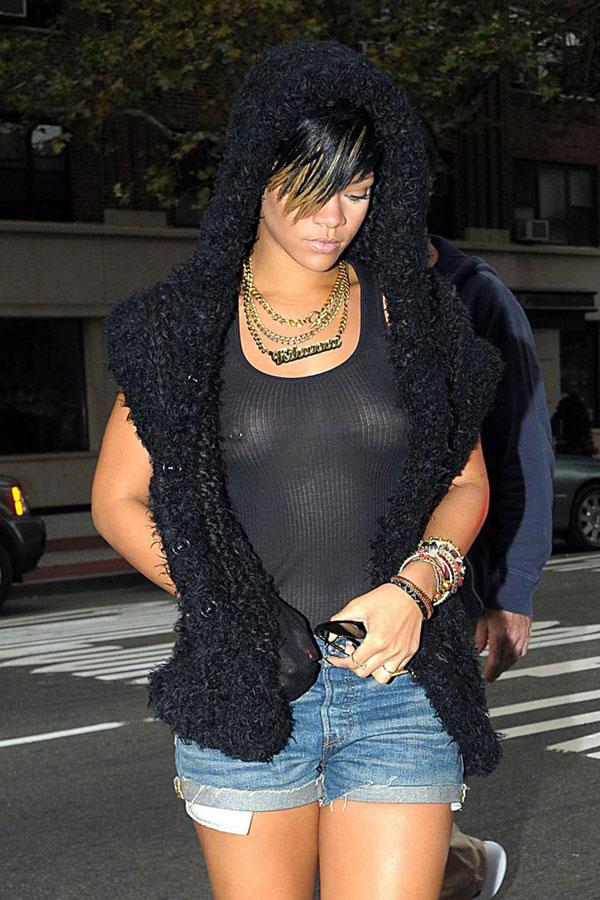 Rihanna nipple