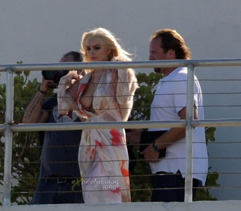 Lindsay Lohan boob slip