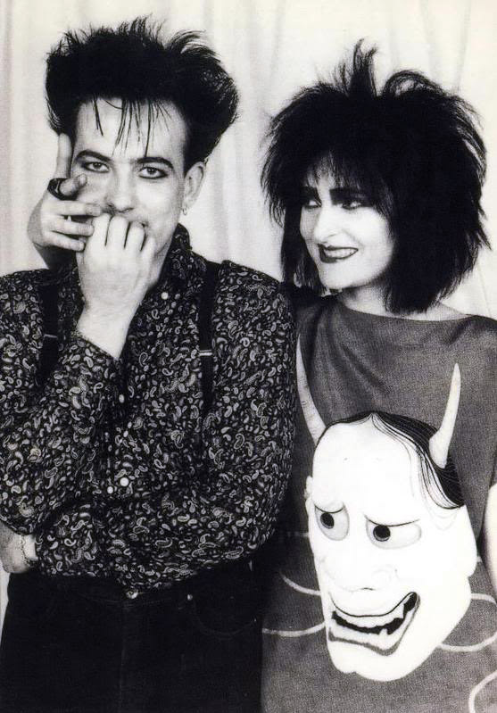 Roberth Smith y Siouxie Sioux