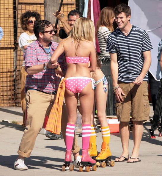 Ashley Tisdale y Sarah Hyland bikini