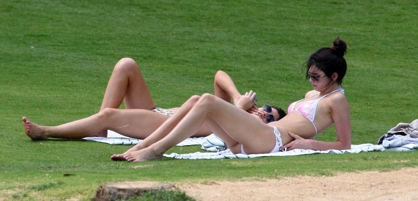 Kendall Jenner y Kylie Jenner bikini