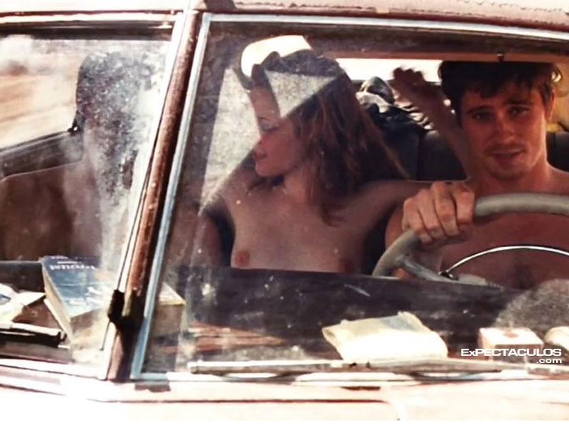 Kristen Stewart In the road