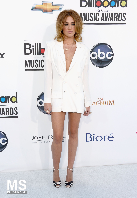 Miley Cyrus Billboards awards