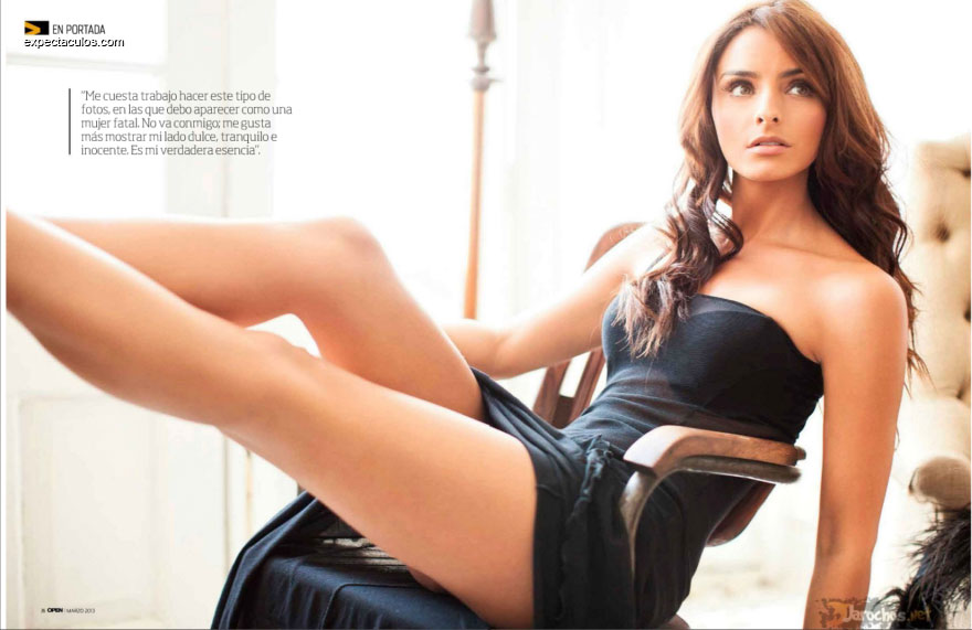 Aislinn Derbez revista Open