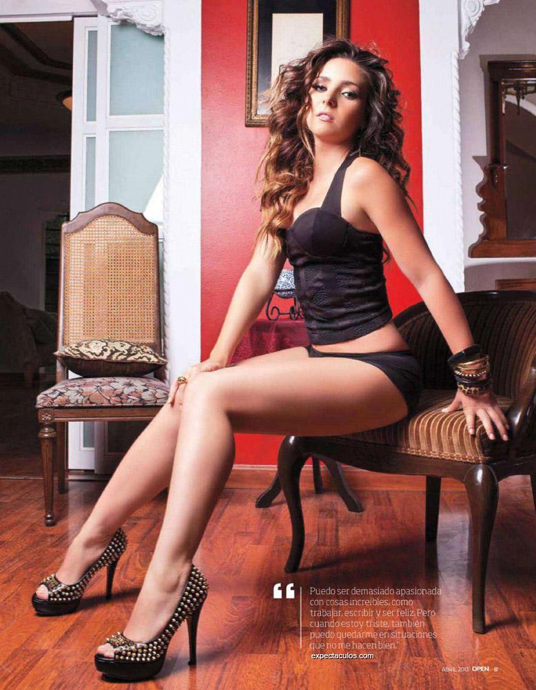Ariadne Diaz revista Open