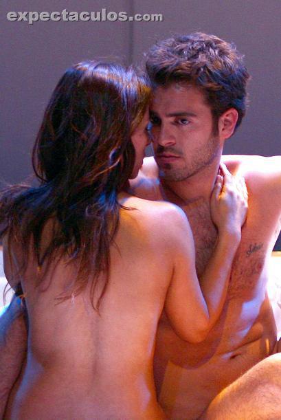 Claudia Lizaldi desnuda en cuatro equis