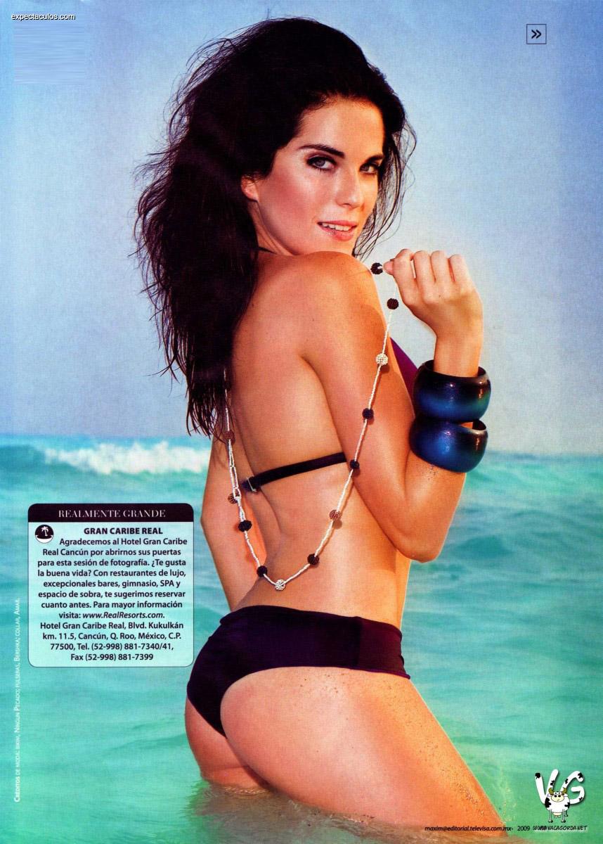 Karla Souza Maxim