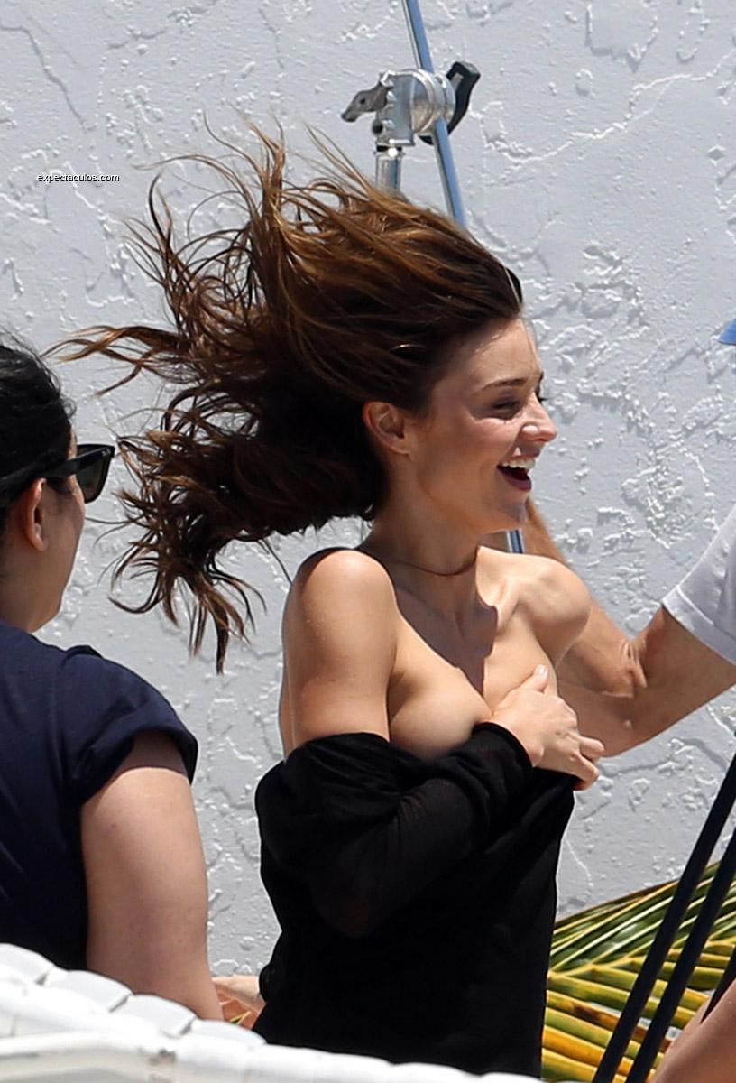 Miranda Kerr nip slip