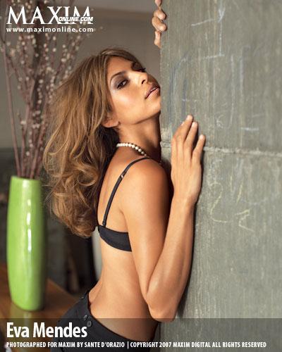 Robaron fotos de Eva Mendes desnuda