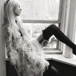 Photoshoot Taylor Momsen