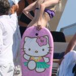 Mas fotos de Avril Lavigne en Bikini