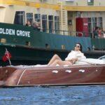 Miranda Kerr luciendo su bikini en Australia