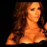 Jennifer Love Hewitt en comercial para The Client List