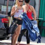 Fotos de Stella y Vanessa Hudgens despues del gym