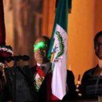 Apuntan rayos laser al presidente de Mexico en el grito