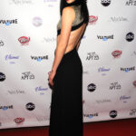 Krysten Ritter en la premier de Don't Trust The B In Apt 23