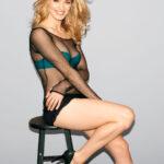 Yvonne Strahovski para la revista Esquire