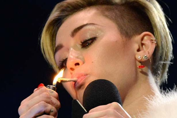 Miley-Cyrus-joint