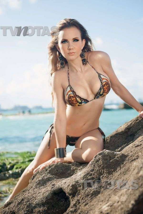 michelle_vieth_bikini1