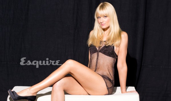 Beth_Behrs_esquire1