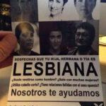 Atacan a Carmen Aristegui con folleto de lesbianismo
