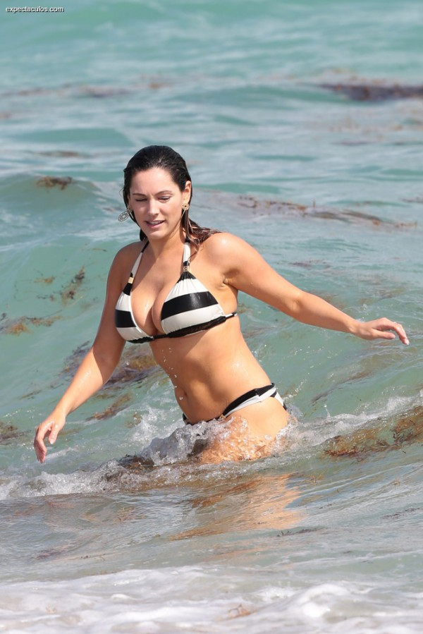 Kelly_Brook_bikini12