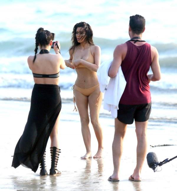 Kim-Kardashian-Thailand-2