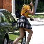 Katy Perry en mini falda en Beverly Hills