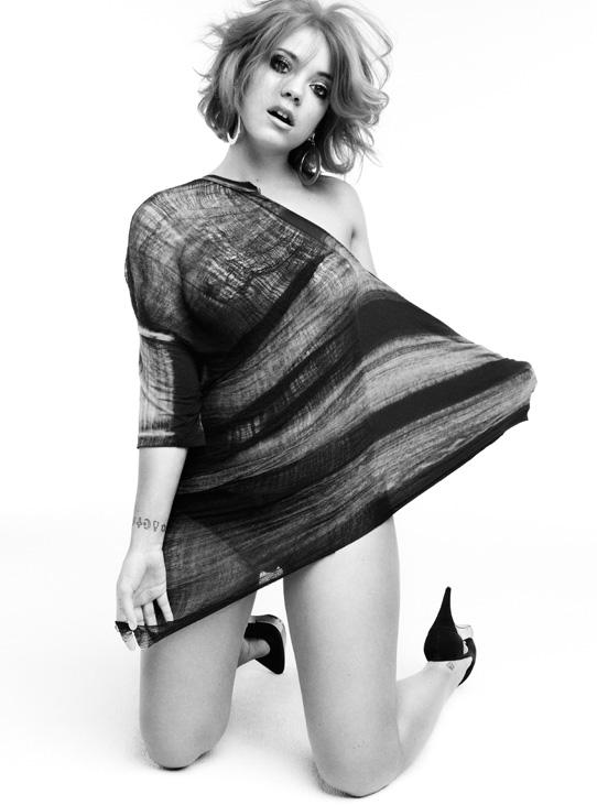 Lily_Allen_William_Baker_Photoshoot_2010_23_