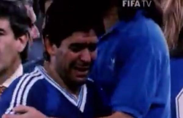 Maradona-llora