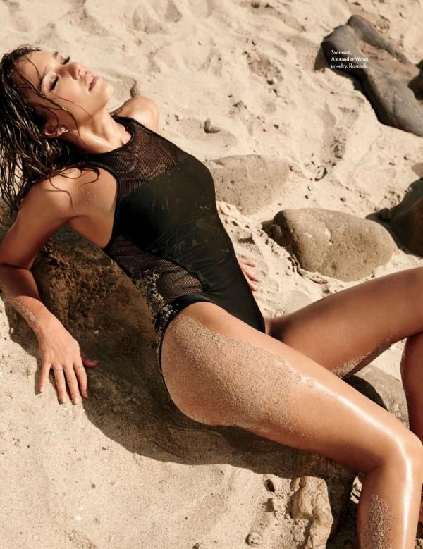 Jessica-Alba-Maxim-September-2014-4