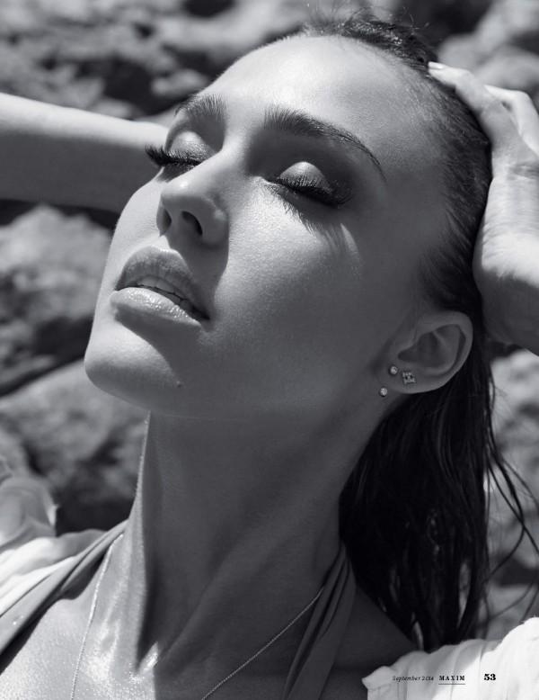 Jessica-Alba-Maxim-September-2014-8