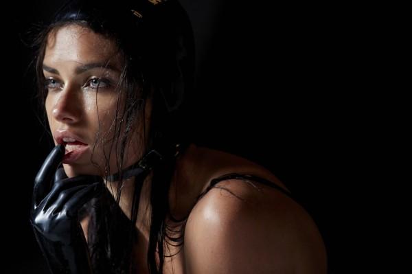 Adriana-Lima-Pirelli-Calendar-2015-06
