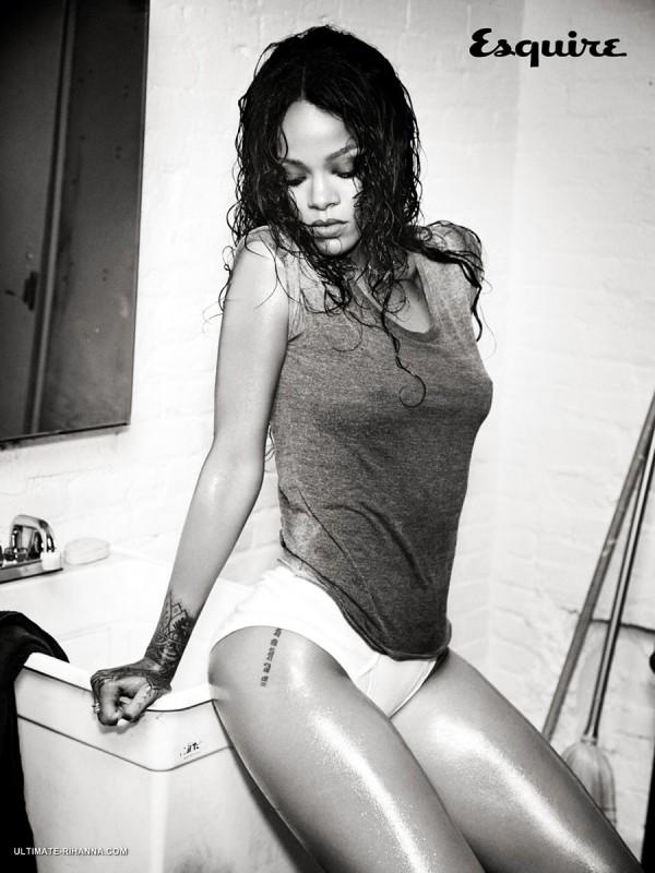 Rihanna-Esquire-Hottie-04