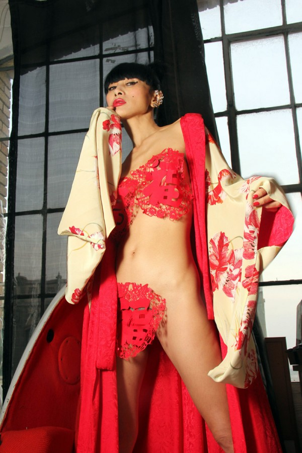 Bai-Ling---Christmas-Photoshoot-2014-020