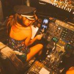 Despiden a piloto de Magnicharters por subir a actrices a cabina