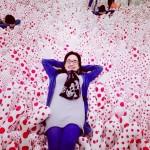 Polemica por selfies sobre obra de Yayoi Kusama en Mexico