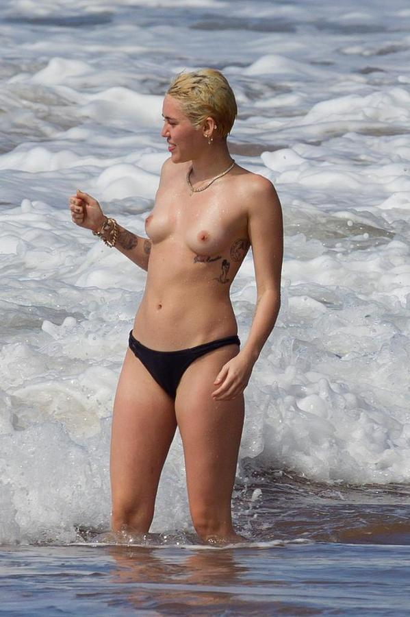 miley-cyrus-topless53