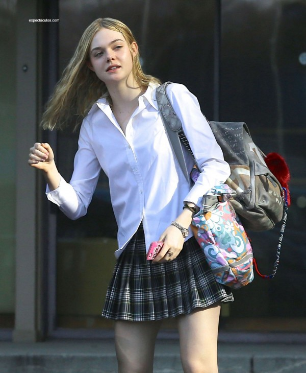 Elle-Fanning-Schoolgirl-6