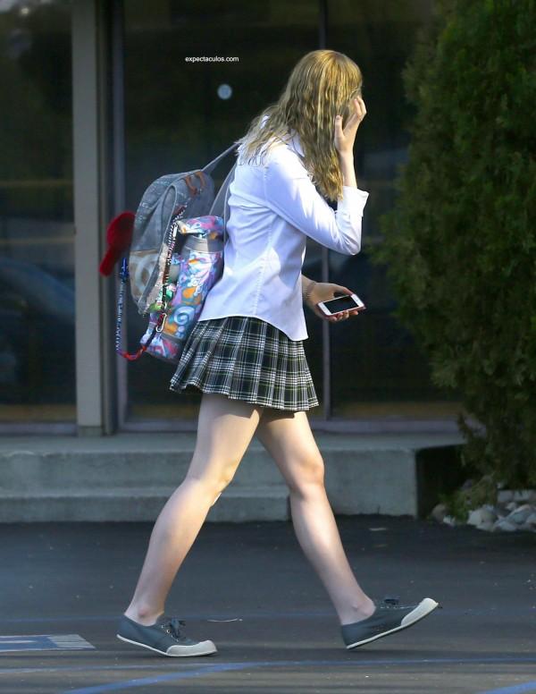 Elle-Fanning-Schoolgirl-8