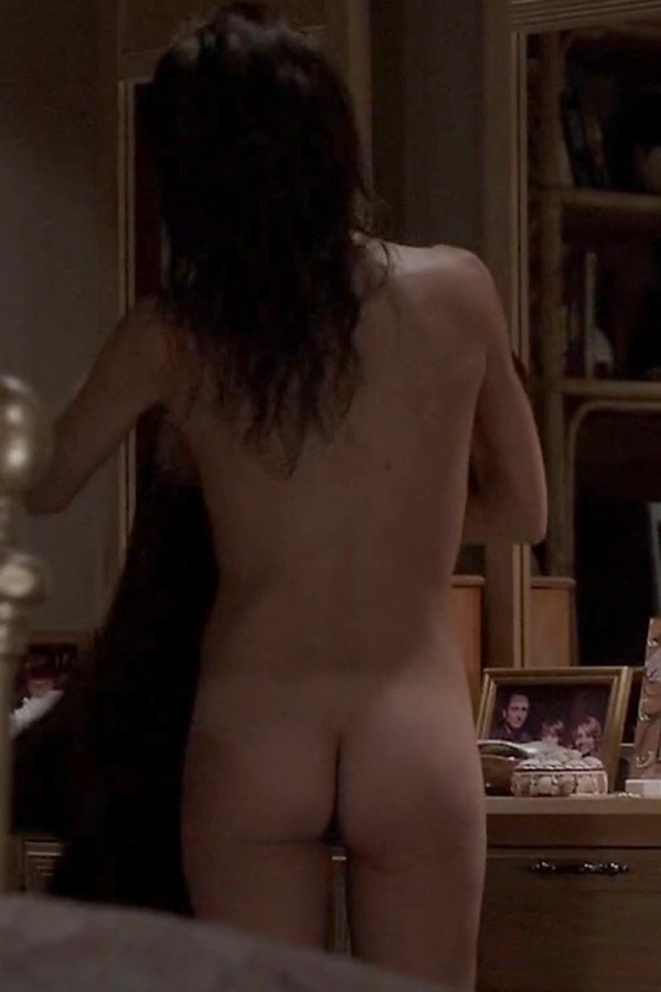 Keri-Russell-Bare-Booty-In-The-Americans-01