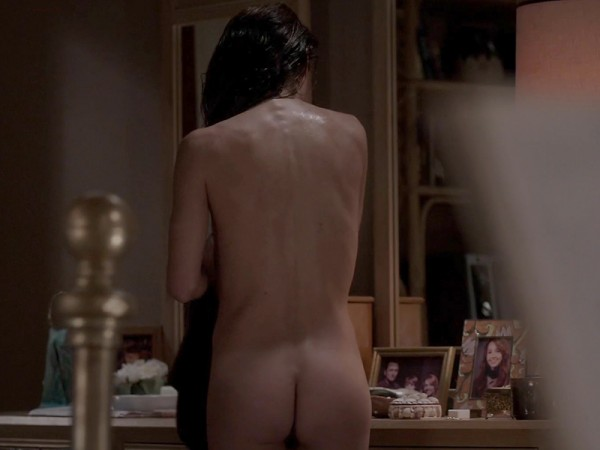 Keri-Russell-Bare-Booty-In-The-Americans-02