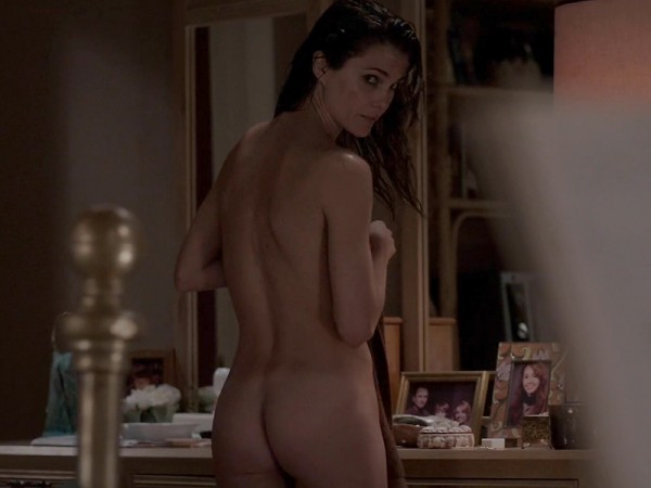 Keri-Russell-Bare-Booty-In-The-Americans-03