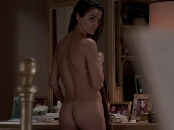 Keri-Russell-Bare-Booty-In-The-Americans-04