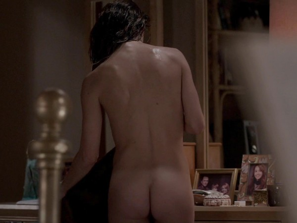 Keri-Russell-Bare-Booty-In-The-Americans-05