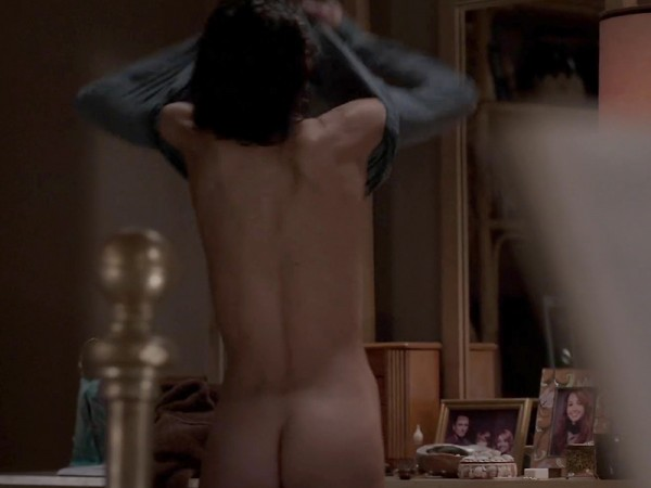 Keri-Russell-Bare-Booty-In-The-Americans-06