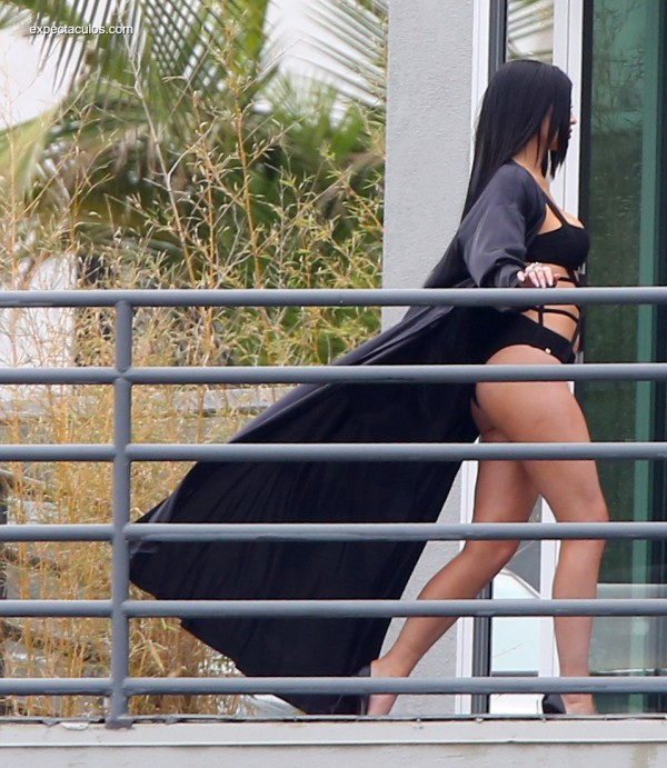 Kylie-Jenner036