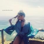 Stella Hudgens sube foto de su trasero