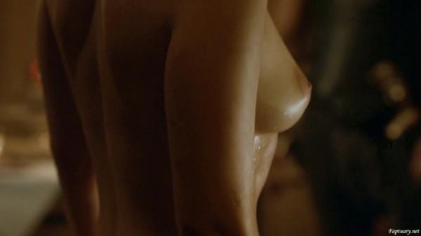 Emilia_Clarke01