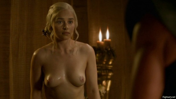 Emilia_Clarke02